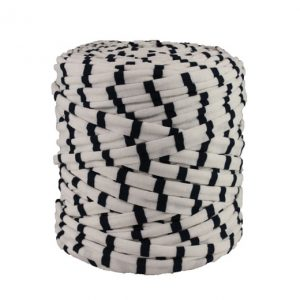 Trapilho XL rayé marine et blanc - Bobine, pelote de t-shirt yarn, Hoocked, zpagetti, trapillo. Fil de tissu recyclé pour crochet