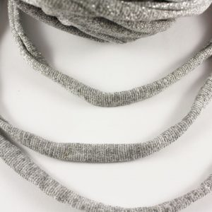 Trapilho au mètre argenté - Bobine, pelote de t-shirt yarn, Hooked, zpagetti, trapillo. Fil de tissu recyclé pour crochet , bijoux, couture , décoration