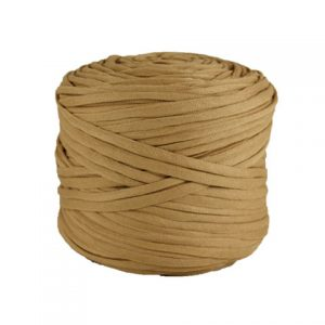 Trapilho léger beige - Bobine, pelote de t-shirt yarn, Hooked, zpagetti, trapillo. Fil de tissu recyclé pour crochet et tricot